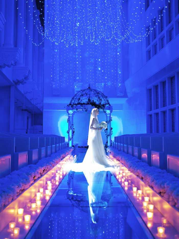 満天の星空の中で結婚式を挙げられる、ブルースターウエディングはいかがでしょうか?