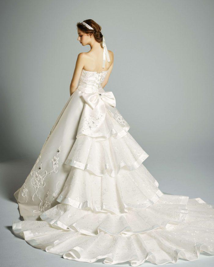 純白&ストーンの入ったドレス