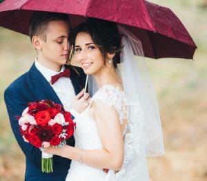 天気予報が雨でも大丈夫!最高の結婚式にする方法
