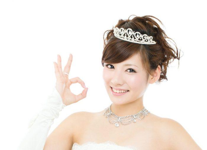 輪郭、服装別で教えます!結婚式花嫁さんのミディアムヘアアレンジ