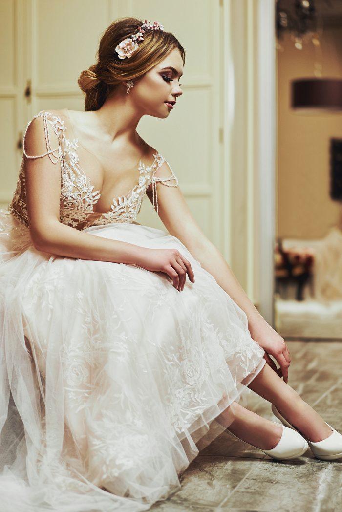 ブライダルシューズを履いた花嫁