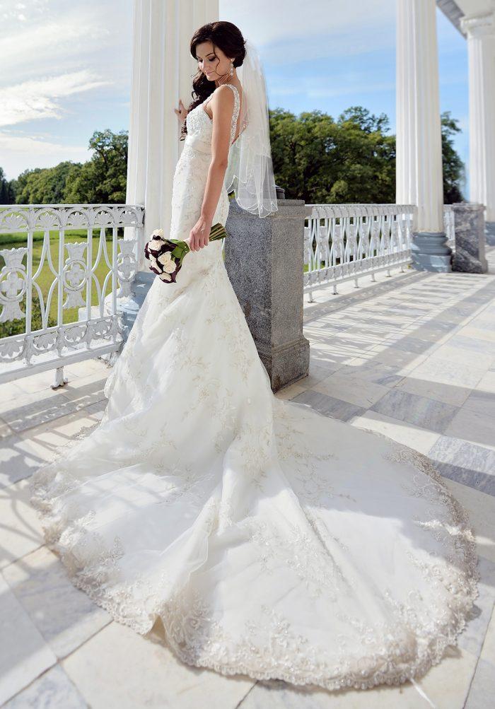 マーメイドラインドレスを着た花嫁