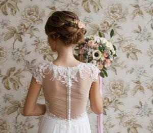ウエディングドレスに映える!結婚式におすすめヘアアレンジ5選