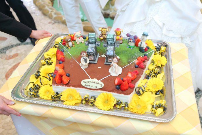 球場をモチーフにしたウエディングケーキ