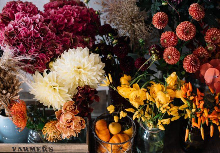 秋の結婚式を彩る装花